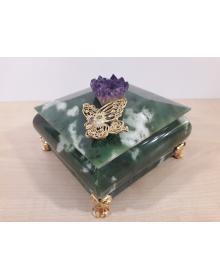Шкатулка с бабочкой (аметистовая друза, нефрит, латунь, никель, золото (999,9))